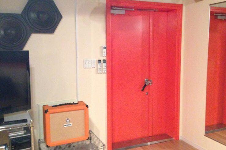 防音ドア「GuardianW T-4」親子扉 塗装仕上