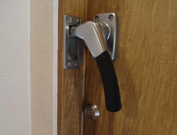 防音ドア標準ハンドル