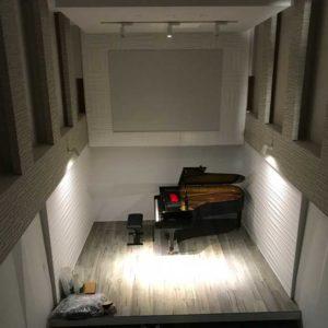 自宅にピアノホール01