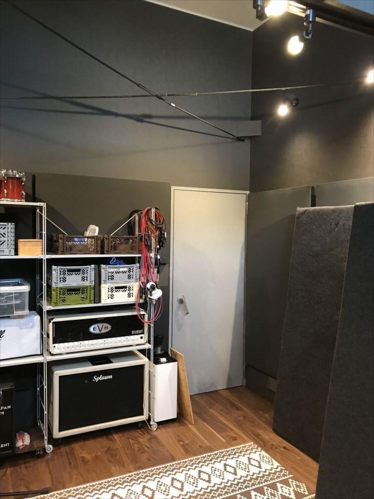 音楽スタジオ-ドア