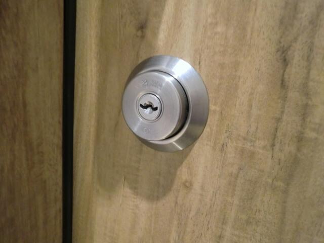 防音ドア-鍵:シリンダー側
